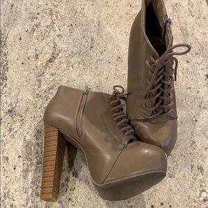 Platform heel Booties